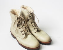 vintage esprit leather ankle boots / ecru leather combat boots / size 7