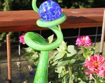 Spring Green Glass Sculpted Tigger Tail with Cobalt Blue Ball Garden Art Finial Outdoor Garden Sculpture