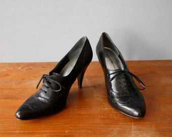 vintage 90s pumps 7.5 / spectator pumps / high heel oxfords
