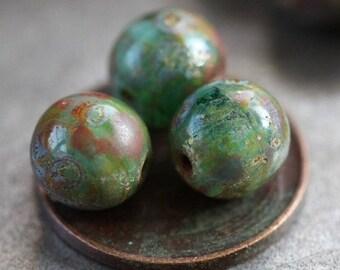 SEASHORE No. 3 .. Picasso Czech Druk Glass Beads 8mm (3741)