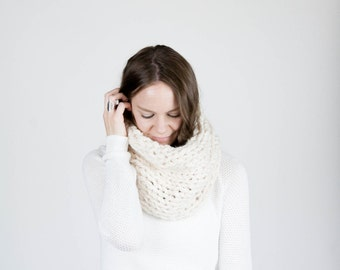 Chunky Knit Textured Cowl / THE CHINOOK / Fisherman