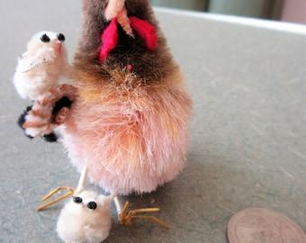Vintage Chicken, Hen and Chicks, Fuzzy Chicken, Cute Chicken, Cute Kawaii Zakka, Wire Legs, Chicken and Chicks, Vintage Craft Supply