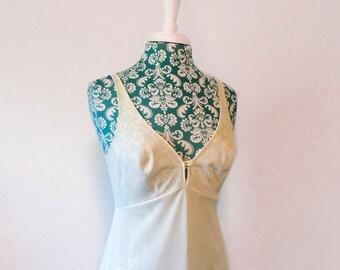 vintage 1970's slip // 70's Formfit Rogers lingerie  // cream minimalist modern full slip