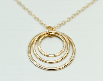 Mother necklace - mother jewelry - gold necklace - gold jewelry - mother daughter jewelry - 3 circle necklace - gold mom jewelry