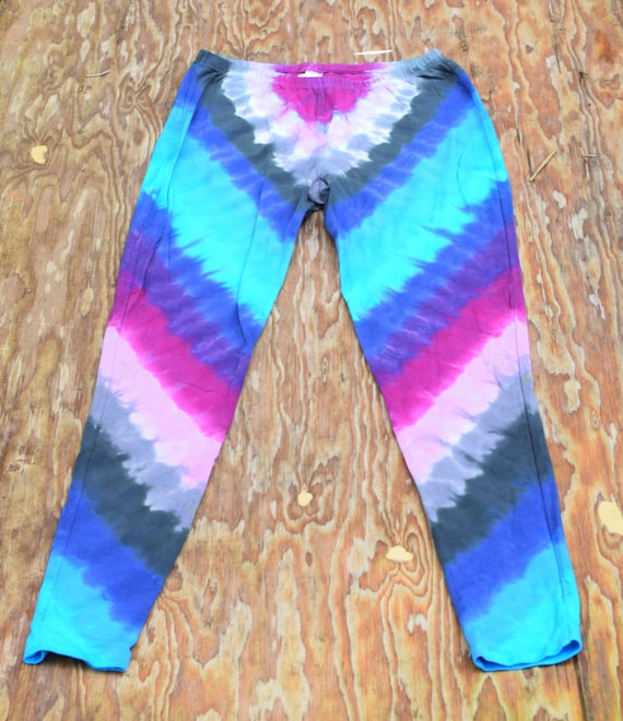 Chevron Passion Leggings (Dharma Trading Co. Deluxe Cotton Leggings with Spandex Size M) (One of a Kind)