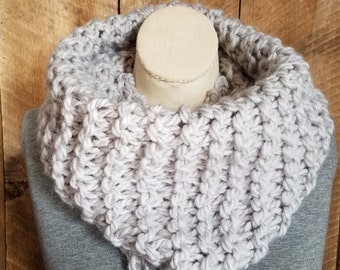 Gray Cowl, Alpaca Knit Cowl, Boho Fashion, Bohemian Cowl, Hand Knit Cowl, Gray Scarf, Wool Scarf, Chunky Knit Cowl, bailybelle