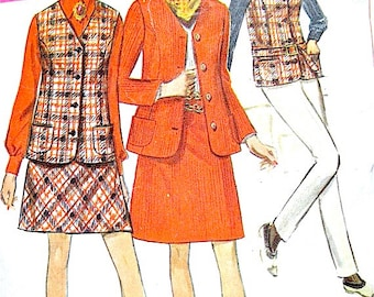 Vintage 1960s sewing pattern to make mini-skirt, top.  Pattern Number Simplicity 7794   Bust 34 inches