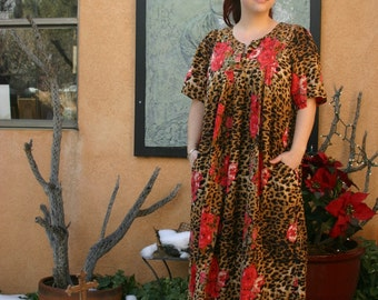 Vintage 1980s Leopard Print Muumuu with Large Pink Roses and Beads L/XL