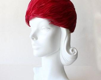 1960s Hat / Vintage Magenta Feather Pillbox Hat