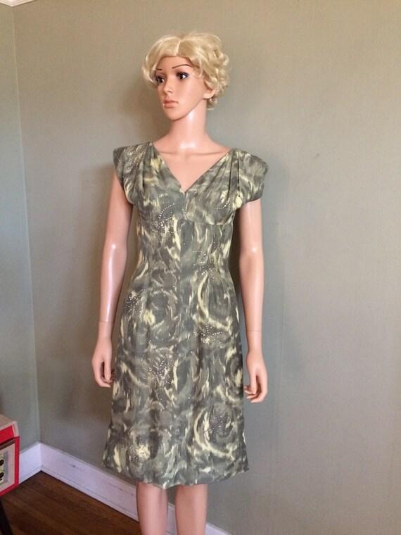 1950s Glamour Rhinestone Starbursts Swirl Print V Neck Gathered Shoulders Fitted Dress-S M