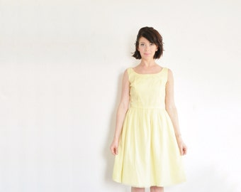 pastel yellow mid century dress . sheer crepe . daisy flowers .small .sale