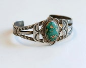 1920s Fred Harvey sterling silver Native American turquoise cuff / 20s antique Harvey era India railroad green turquoise silver bracelet