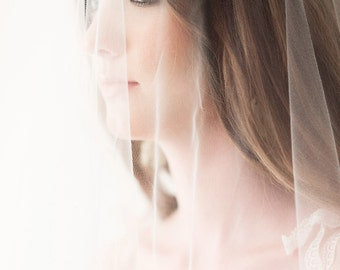 Bridal Illusion Lace Wedding Veil Champagne Lace/Ivory Tulle Hip Length