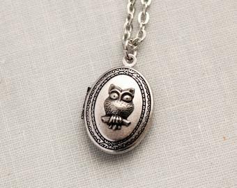 Small Silver Owl Locket Necklace. Dainty Jewlery