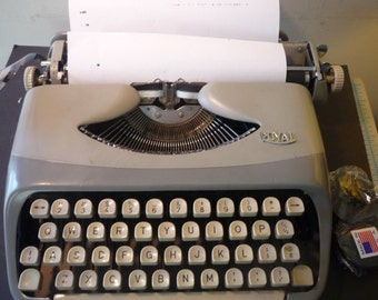 Retro Royalite Portable Typewriter 1959 Manual - Restored - Works Great - gift for writers - manual  - fresh ribbon prop decor reporters
