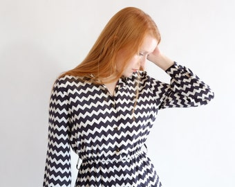 SALE - Geometric black and white dress, vintage, Japan, small