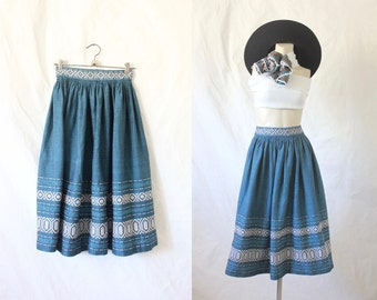 1950's embroidered tourist skirt