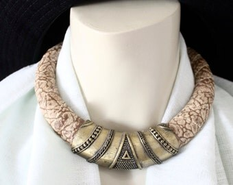 tribal modernist collar