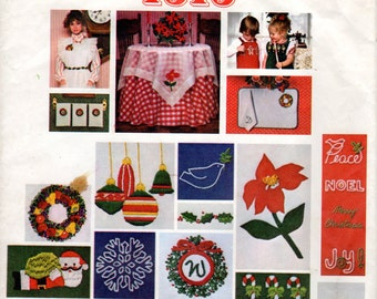 1980s Christmas Embroidery Appliques Transfer Pattern - Vogue 1313 Santa Pack II - UNUSED