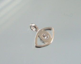 5 pcs, 10x8.5mm, 1.5mm height, Tiny Lucky Charm, Small Evil Eye, Sterling Silver Pendant charm findings, PC-0147