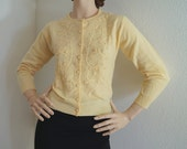 Vintage 50s 60s Embroidered Pale Yellow Wool Cardigan / 1950s 1960s Pin Up Lambswool Sweater Embroidered Vines made in Japan