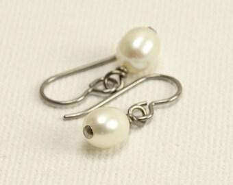 Hypoallergenic Pearl Earrings, White Oval Freshwater Pearl on Niobium Earrings, Nickel Free Silver Grey Niobium Jewellery
