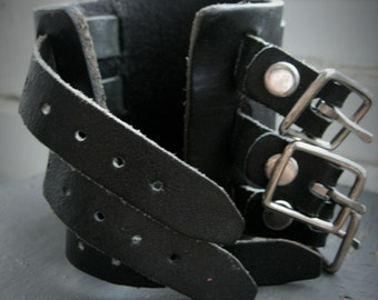 Darkum- mens triple stainless steel buckle, vintage black leather, adjustable woven cuff