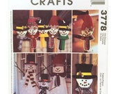 McCall's 3778 Sewing Pattern, Snowman Greeters, Snowman Ornament Pattern, Snowman Wall Hanging Pattern, DIY Holiday Decor DIY Snow Man Decor