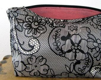 ZIPPERED POUCH - Flower Pouch - Small Zipper Pouch - Coin Purse - Cosmetic Bag - Make Up Bag - Make Up Case - Zipper Pouch - Pouch Bag