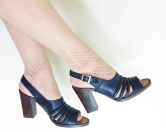 Vintage 1970s Navy Blue High Heel Slingbacks / 70s Open Toe Sandals Chunky Heel Tempos Shoes / 6