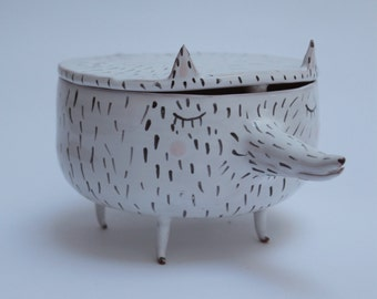Peter the Wolf - sweet ceramic box with legs and red polka dots inside