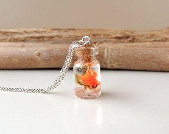 Goldfish Pond Necklace, Swimming Goldfish Terranium Bottle Necklace, Diorama Fish Bottle Pendant, Resin Jewelry, Bottle Jewelry, UK (1143)