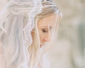 Wedding Veil, French Chantilly Lace Mantilla Veil, Wedding Veil, Waltz Length Bridal Veil, Lace Veil