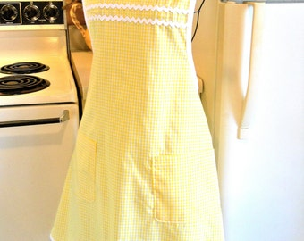Old Fashioned Grandma Style Yellow Gingham Apron
