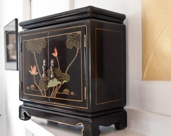 Lacquered Jewelry Box / Large Size / Asian Motif