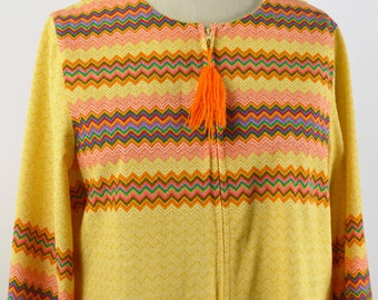 Medium Vintage 1970s Robe Yellow Loungewear Yellow with Orange Zigzag Stripe Long Bell Sleeves Zip Front Slightly Fuzzy