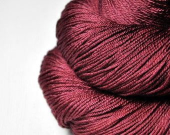 Poisoned lipstick - Merino/Silk Fingering Yarn Superwash