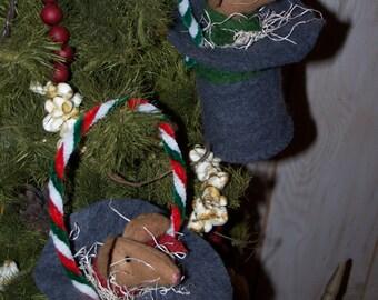 Primitive Christmas Ornament Wool Mouse in Snowman Top Hat Ornament OOAK Darlas Closet
