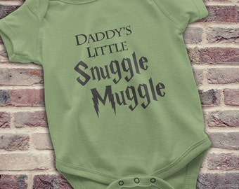 Harry Potter Baby gift, Funny Harry Potter Baby Onesie,  Harry Potter gift for new dad, Daddy's Little Snuggle Muggle, Harry Potter Dad gift