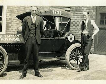 "Vintage Photo ""The Garage Boys"" Snapshot Antique Photo Old Black & White Photograph Found Paper Ephemera Vernacular - 136"