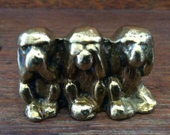 Vintage English hear see or speak no evil monkeys brass metal decor ornament figurine circa 1950-60's / English Shop