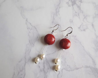 Ahlia - Freshwater Pearl and Coral Earrings; Red and White/Cream Bridal; Romantic Valentine (Boucles d'oreille corail, perles) by InfinEight