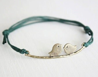 Love Birds Bracelet or Anklet in Antique Brass, Bronze Birds Bracelet, Bird Bracelet, Birds Jewelry, Animal, Woodland Jewelry, BFF, Friend