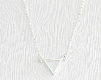 Strength triangle necklace in silver