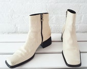 White Ankle Boots 7.5 8 38.5 90s Vintage Cream Chelsea Boots Square Toe Low Chunky Heel Italy Ostrich Leather Minimalist Mod Beatle Boots