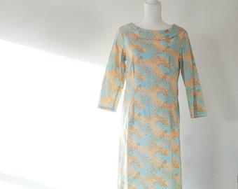 1960s Pastel Blue Shift Dress 60s Vintage Mod Cotton Round Collar Tan Pixel Novelty Print Medium Large Fall Autumn Long Sleeve Sheath Dress