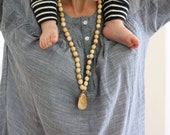Juniper Wood Mala Nursing Necklace / Breastfeeding & Babywearing Mom Accessories / Teething Jewellery Wood and Cotton Beads - Kangaroo Care