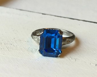 SALE ~ Vintage Sterling Silver Blue Paste Stone Ring. Blue Paste Solitaire Ring. Vintage Ring. Alternative Sapphire. Paste Stone - Size 3.75