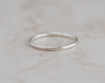 Skinny Sterling Ring, Silver Minimal Ring, Skinny Silver Ring, Everyday Ring, Stacking Ring, Silver Ring, Simple Ring, Minimalist Ring