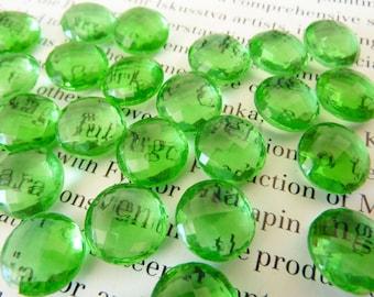 6 glass jewels, Ø11mm, peridot green, waffle, round